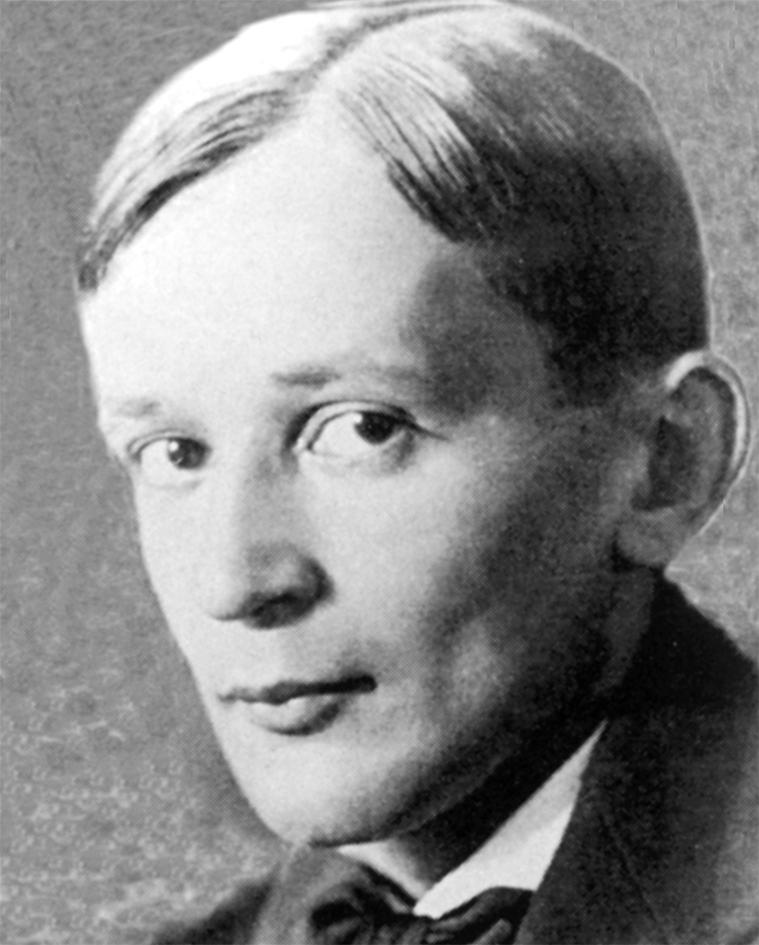 Георгий Викторович Адамович (1892 – 1972)