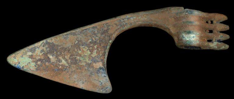 Бактрийский бронзовый боевой топор (ок. 1200-800 до н.э.)