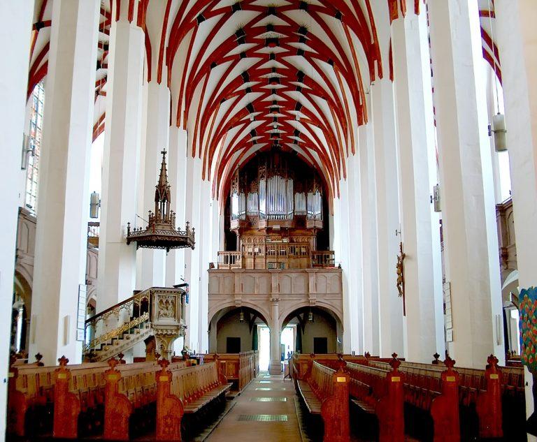 Интерьер и орган церкви св. Фомы, Лейпциг