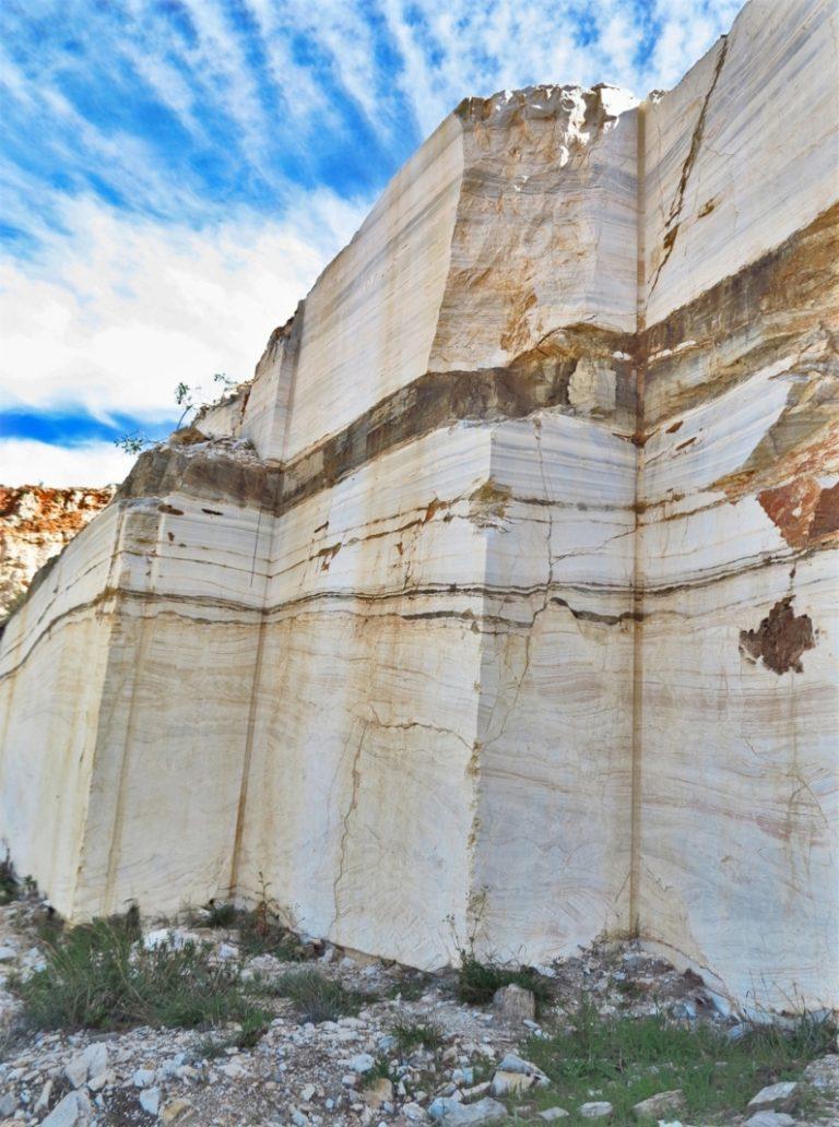 Паросский мрамор –каменоломни. о. Парос