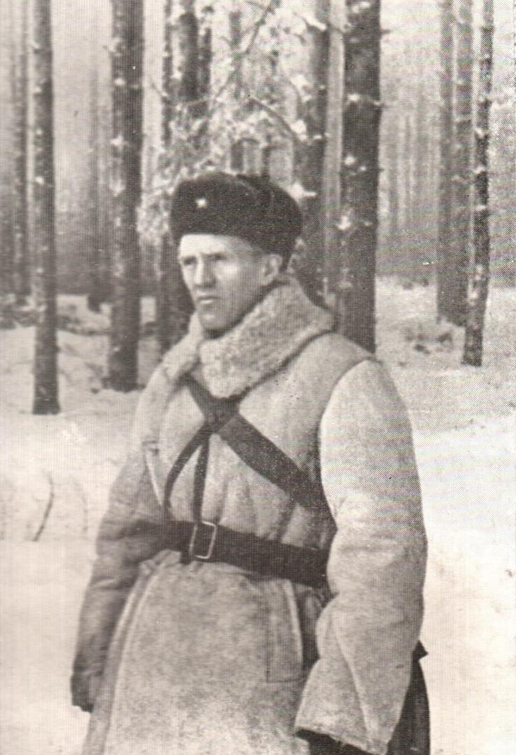 Николай Семёнович Тихонов (1896 — 1979) на фронте