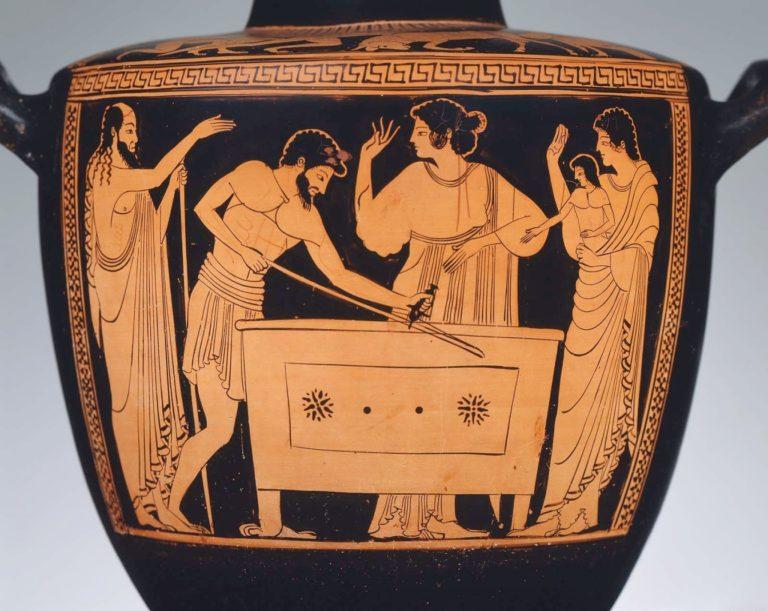 Плотник сверлит отверстие в сундуке (ок. 490 г. до н.э.)