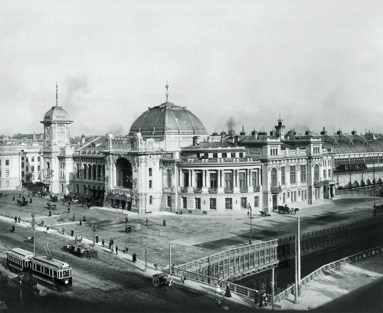 Витебский вокзал в Санкт-Петербурге, где умер И. Анненский
