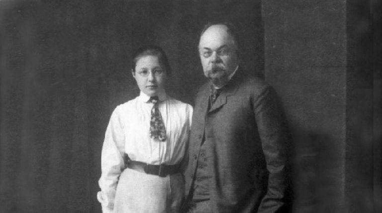 13-летняя Марина Цветаева с отцом. 1905