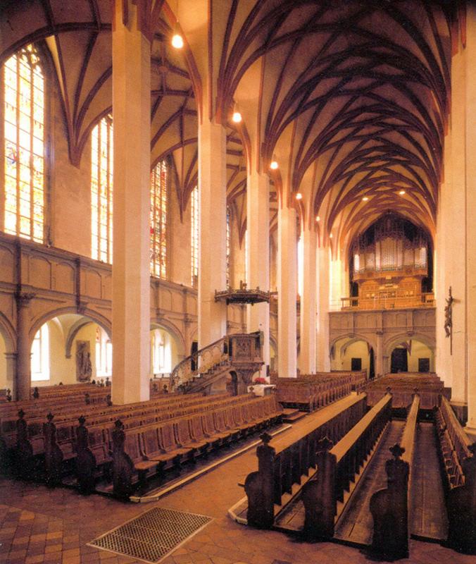 Интерьер церкви Святого Фомы в Лейпциге