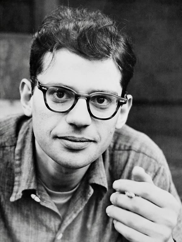 Ирвин Аллен Гинзберг (англ. Irwin Allen Ginsberg, 1926 — 1997)
