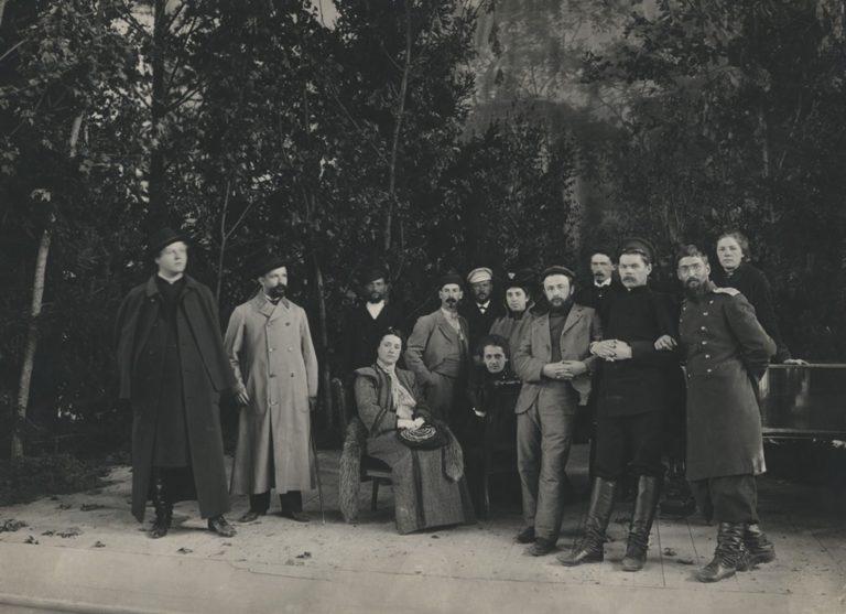 Максим Горький на сцене Народного дома. 1903