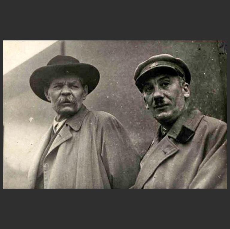 Максим Горький и нарком НКВД Генрих Ягода в поездке писателей на Беломорканал в 1934 г.