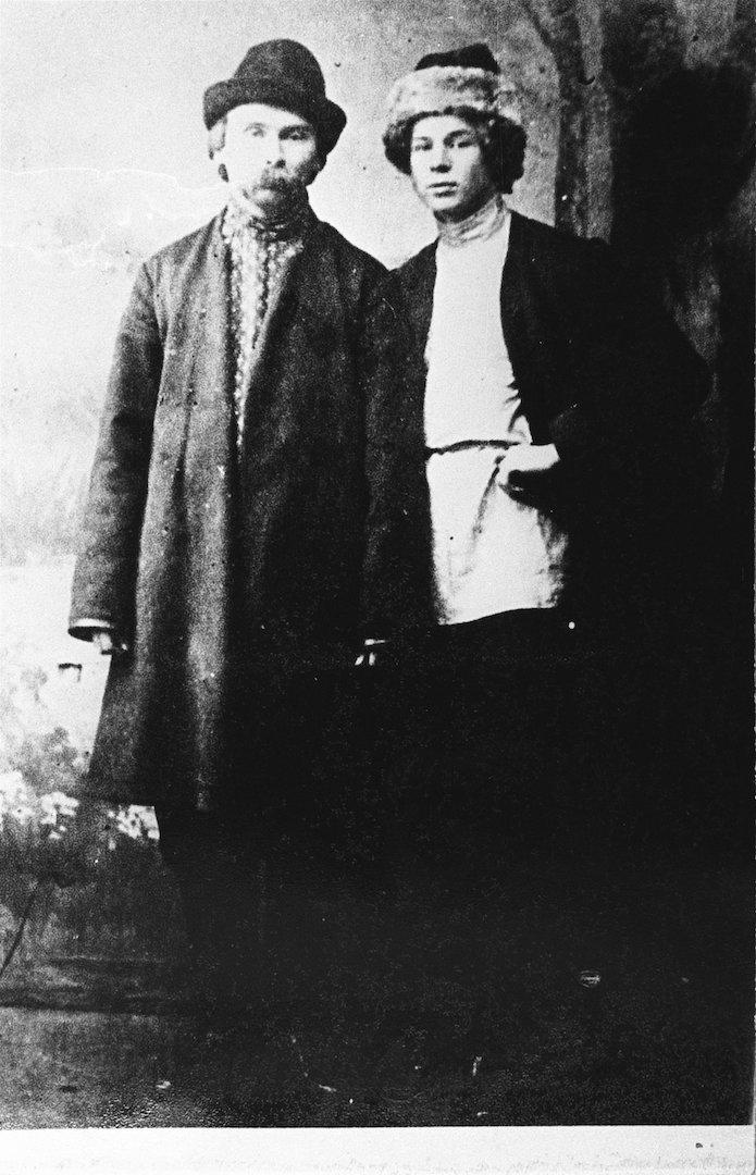 Сергей Есенин и Николай Алексеевич Клюев (1884—1937). 1915