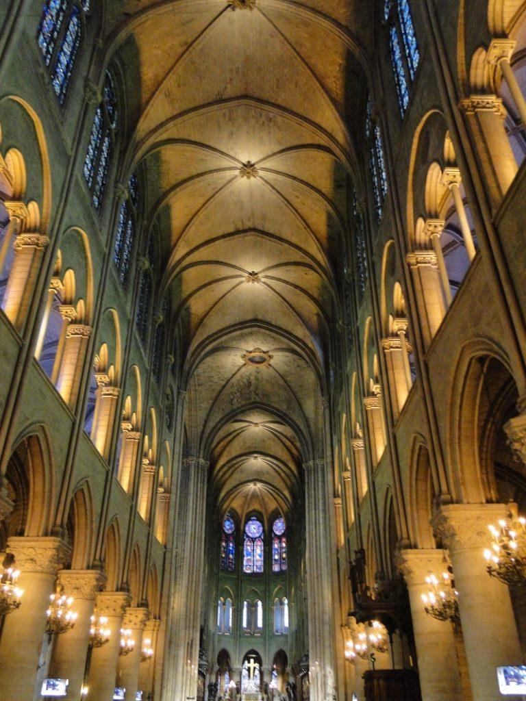 «Непостижимый лес» собора Парижской Богоматери