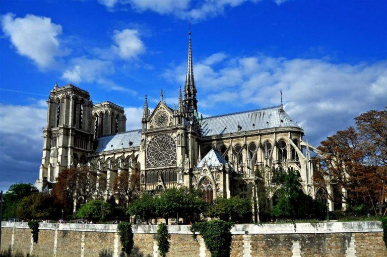 Собор Парижской Богоматери, также парижский собор Нотр-Дам