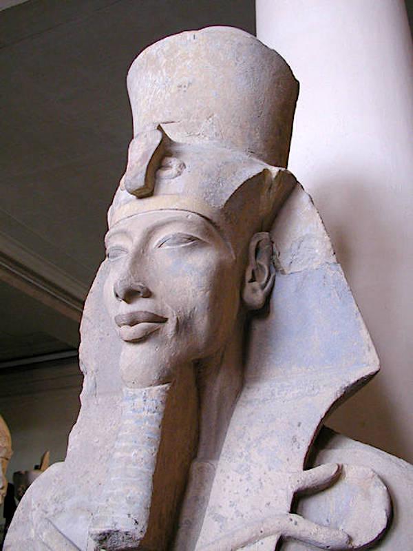 Аменхотеп IV (позднее Эхнатон). Годы жизни — 1375—1336 до н.э., годы правления — ок. 1353—1336 до н.э.