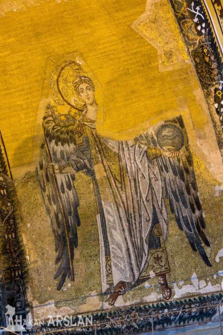 Архангел в конхе апсиды. 850-е гг.
