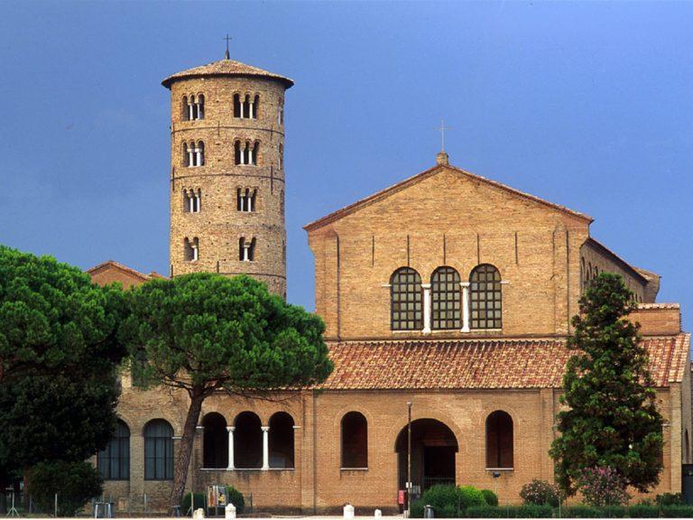 Базилика Сант-Аполлинаре-ин-Классе. VI в. Равенна