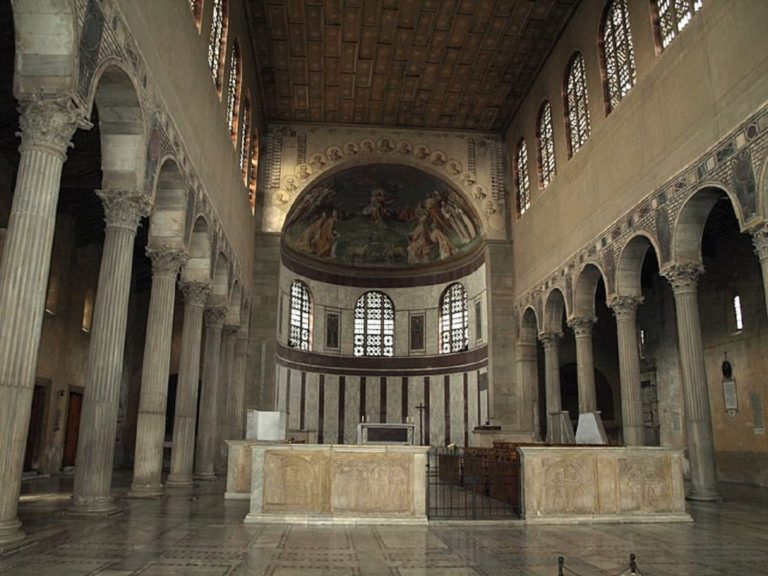 Базилика Санта-Сабина. V в. Рим