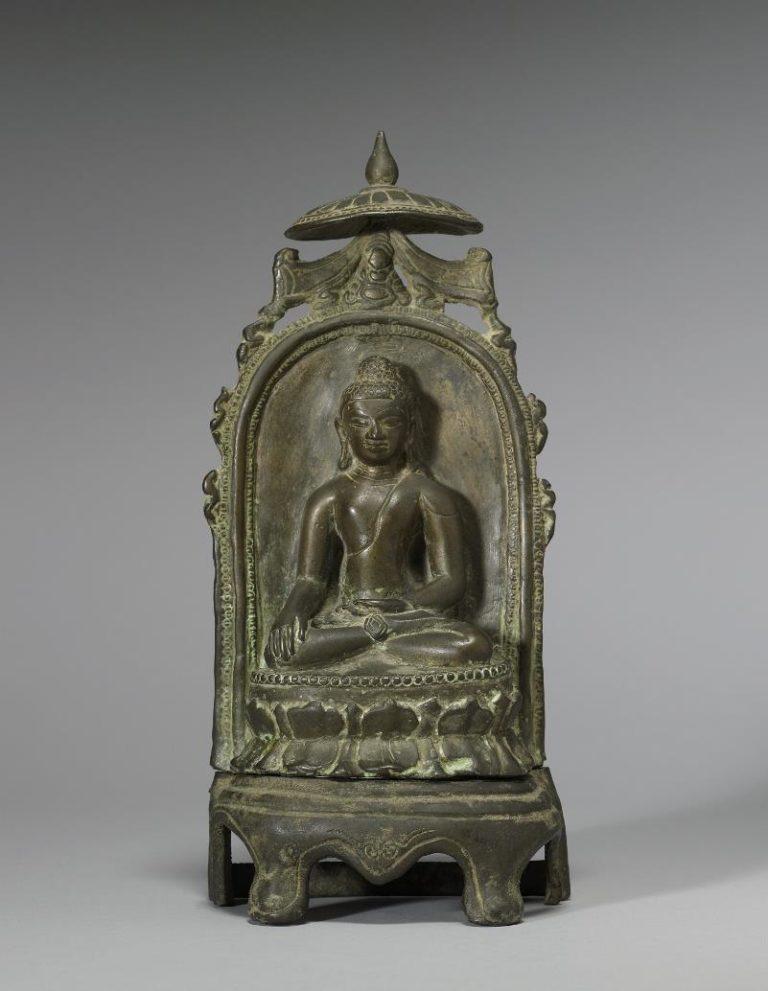 Будда, сидящий на троне. XVI в.