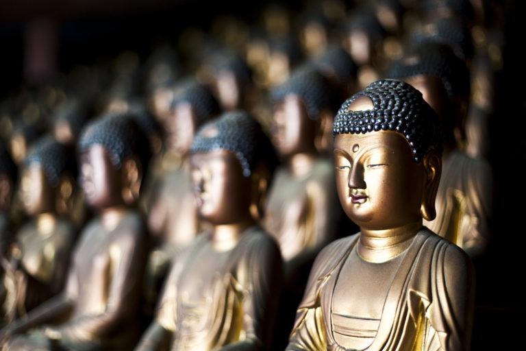 Буддизм - нетеистическая религия, а Будда - не бог