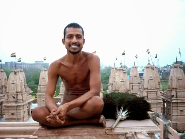 Джайнский монах традиции дигамбара