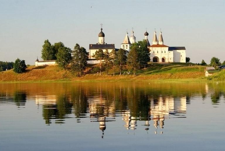 Ферапонтов Белозерский Богородице-Рождественский монастырь. Основан в 1398 г.