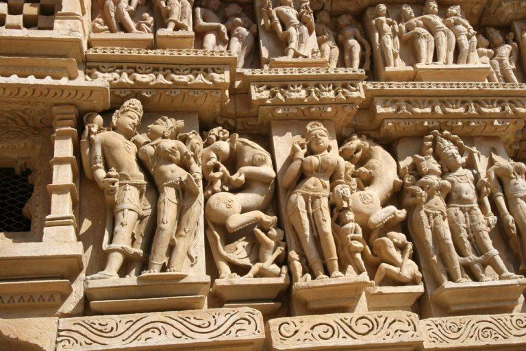 Горельеф храм Кандарья-Махадева. IX-XII вв.