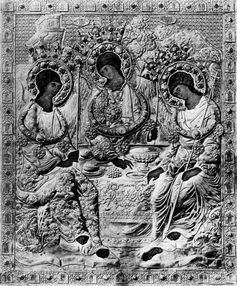 Икона Св. Троицы под окладом