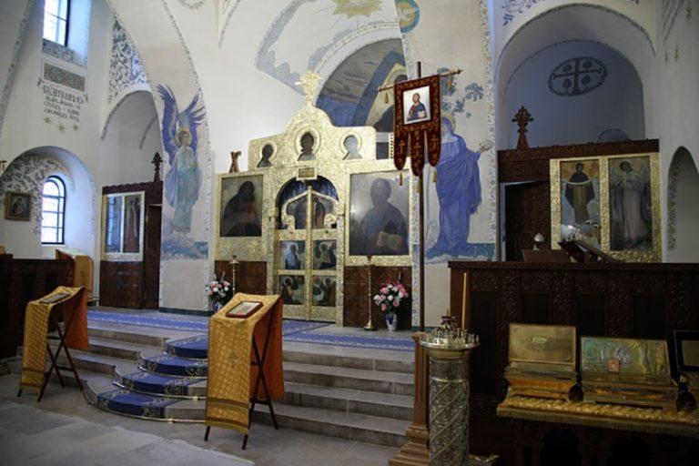 Иконостас Покровского собора Марфо-Мариинской обители