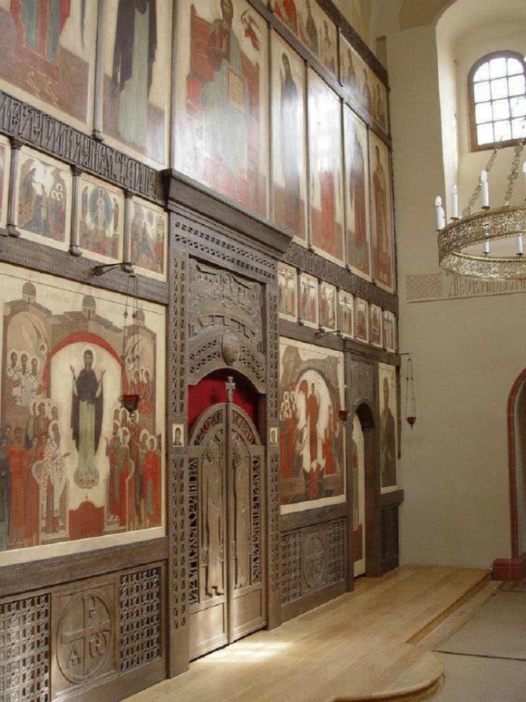 Иконостас храма св. Андрея Стратилата