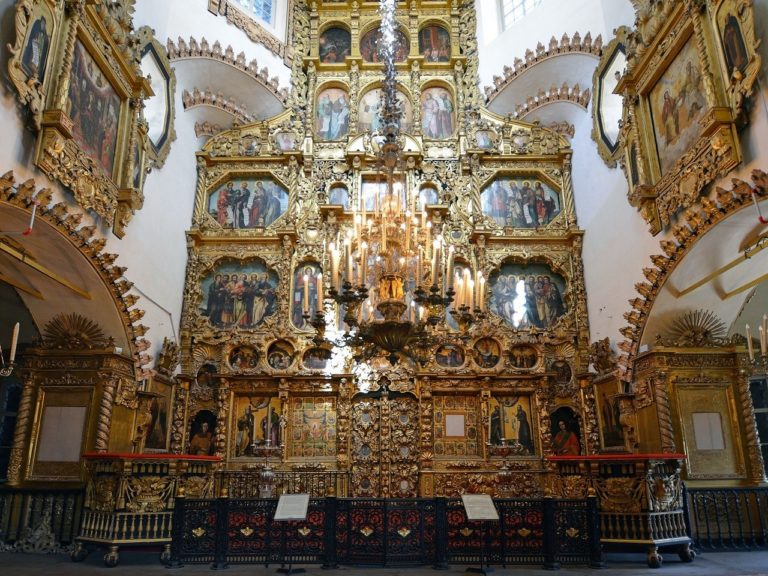 Иконостас храма Покрова Пресвятой Богородицы в Филях