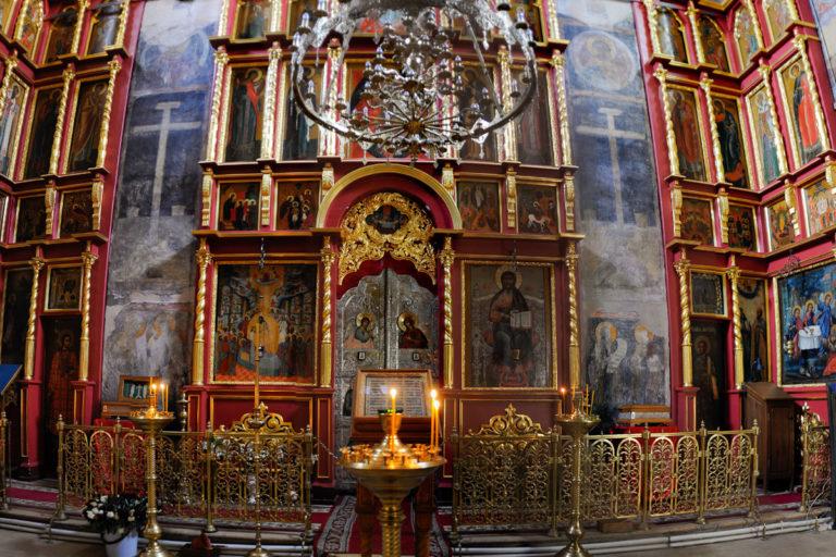 Интерьер Успенского собора на Городке
