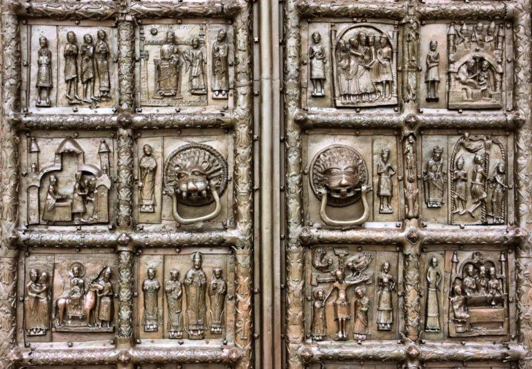 Магдебургские врата. XII в.