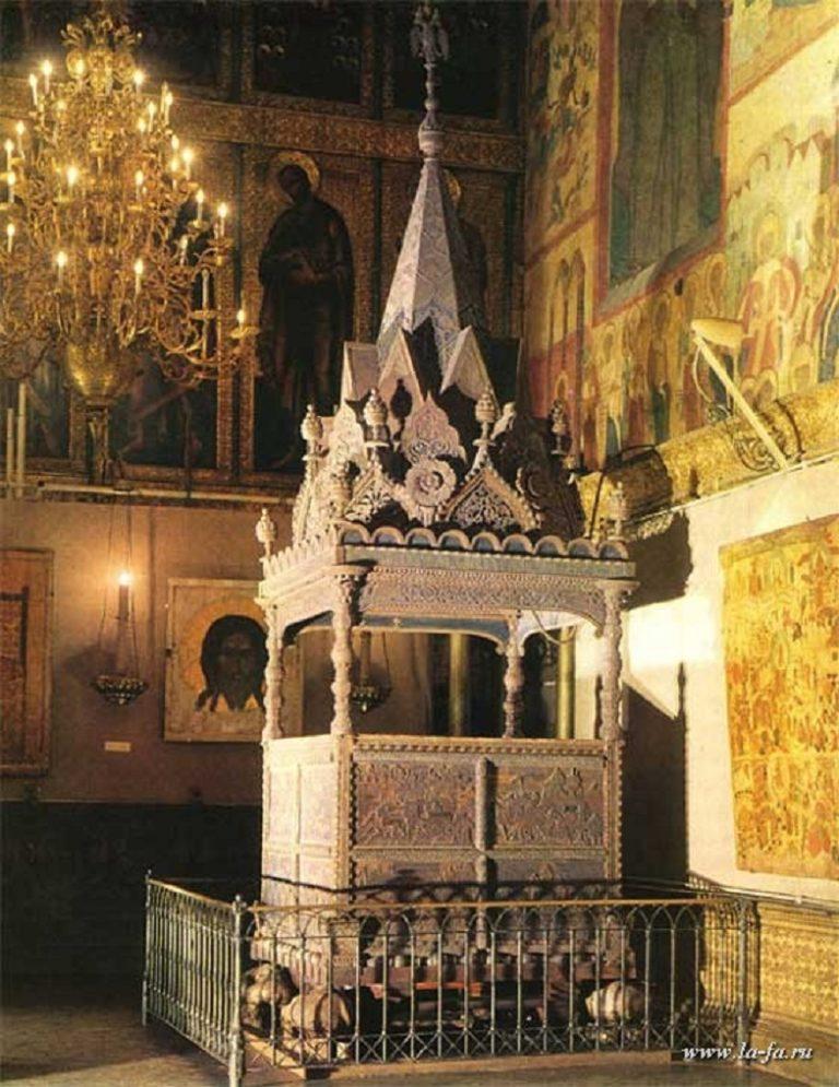 Место Ивана Грозного в Успенском соборе Московского Кремля