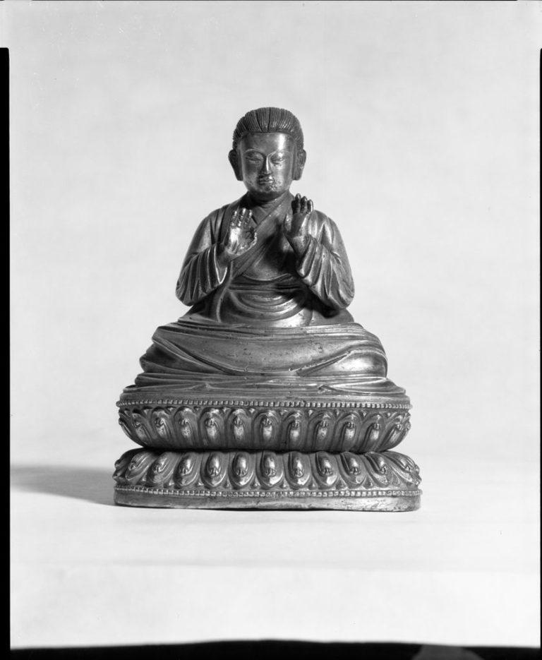 Монах-аскет с длинными волосами и правой рукой в витарка-мудра. Тибет, XVI–XVII вв.