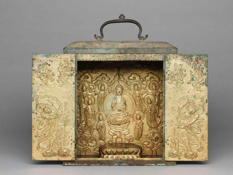 Переносной буддийский храм с изображением Будды и бодхисаттв. Корея, XIV в.