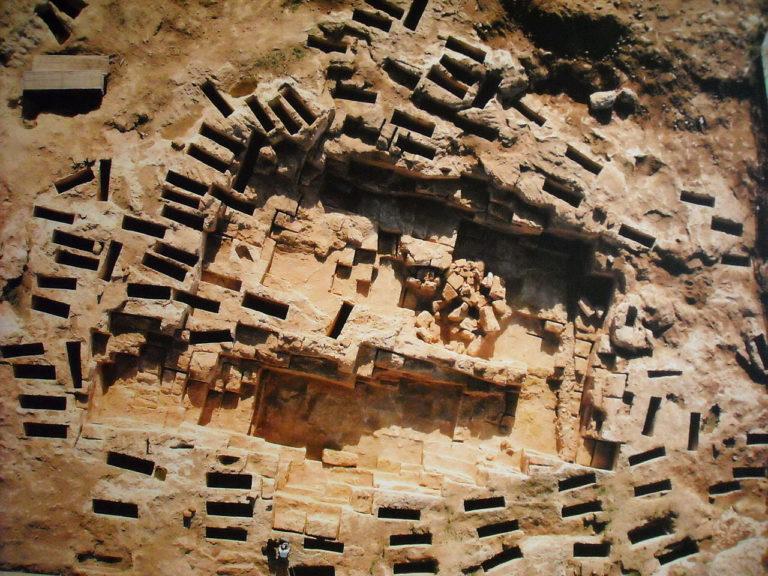 Пунийский некрополь Тувикседу на Сардинии. VI-III вв. до н.э.
