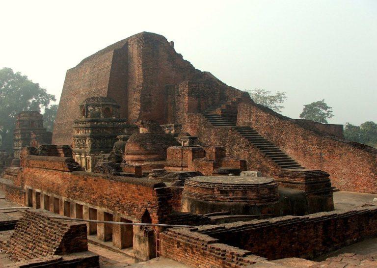 Руины Махавихары. V–XII вв.