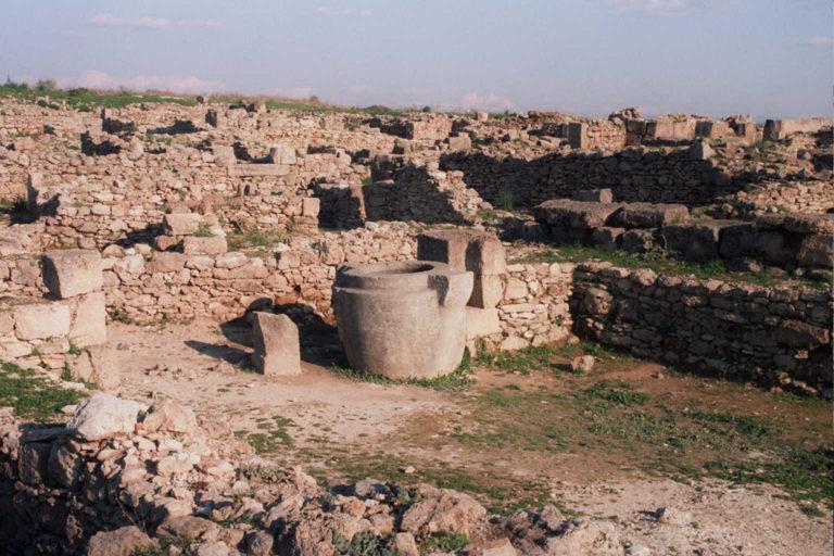 Руины древнего Угарита. От 6000 до н.э. до XII в. до н.э. Сирия