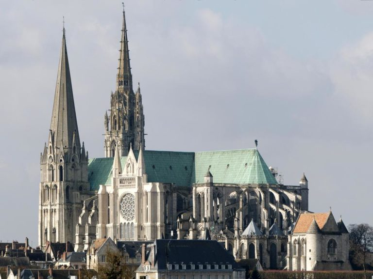 Шартрский собор (фр. Cathédrale Notre-Dame de Chartres). 1194 – 1220 гг.