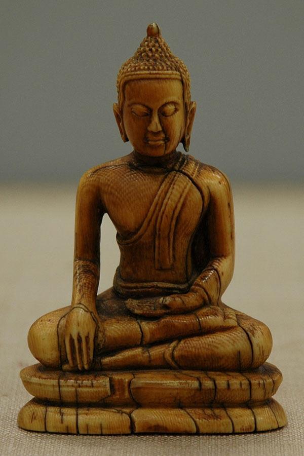Сидящий Будда. Таиланд, XVII в.