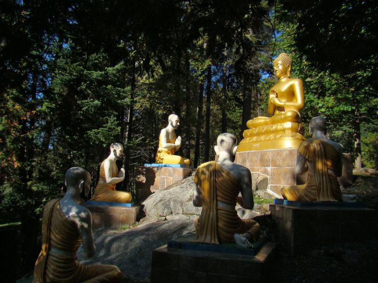 Скульптурное изображение проповеди Будды