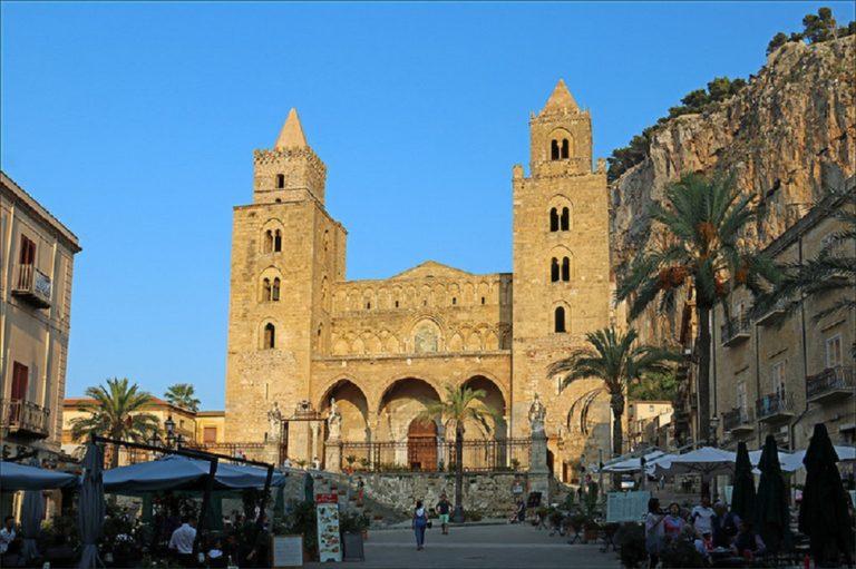 Собор в Чефалу́ (итал. Cefalù; сиц. Cifalù). 1131-1267 гг.