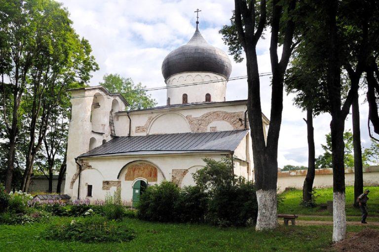 Спасо-Преображенский собор Мирожского монастыря. XII в.