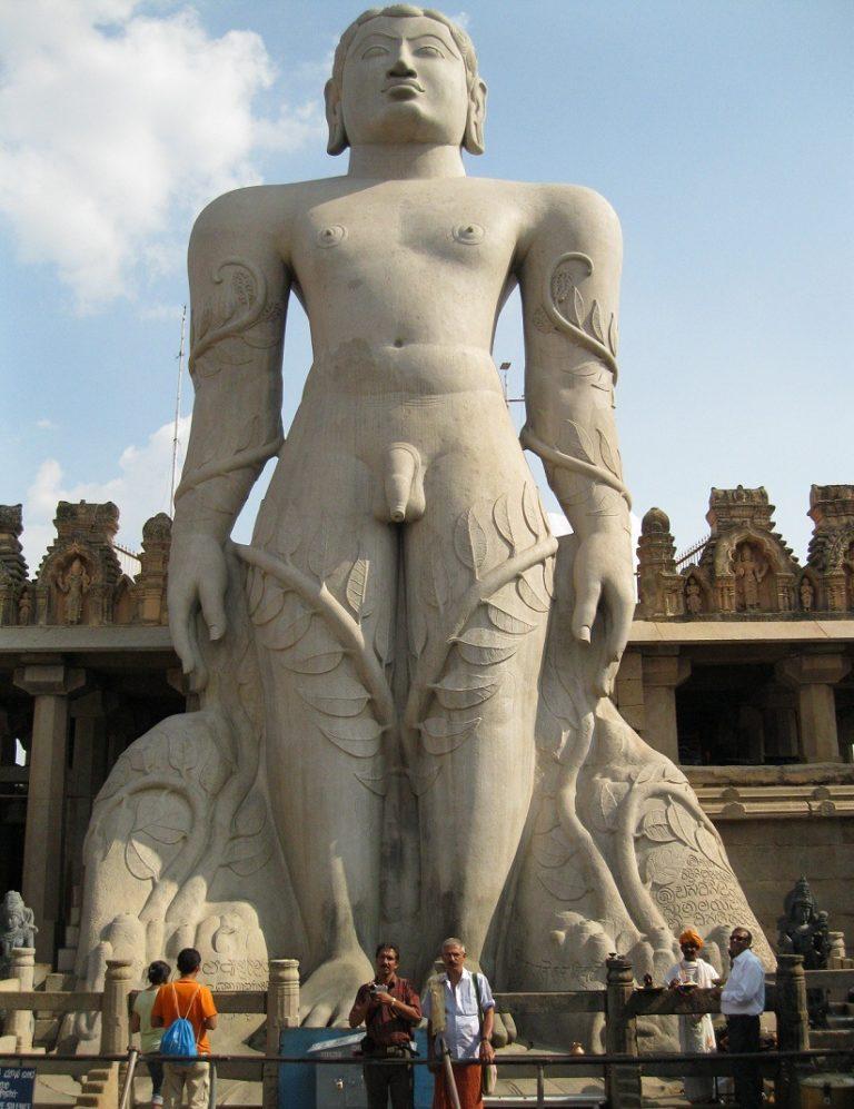 Статуя Гомматешвары (Бахубали) в штате Карнатака, Индия. 978—993 гг.