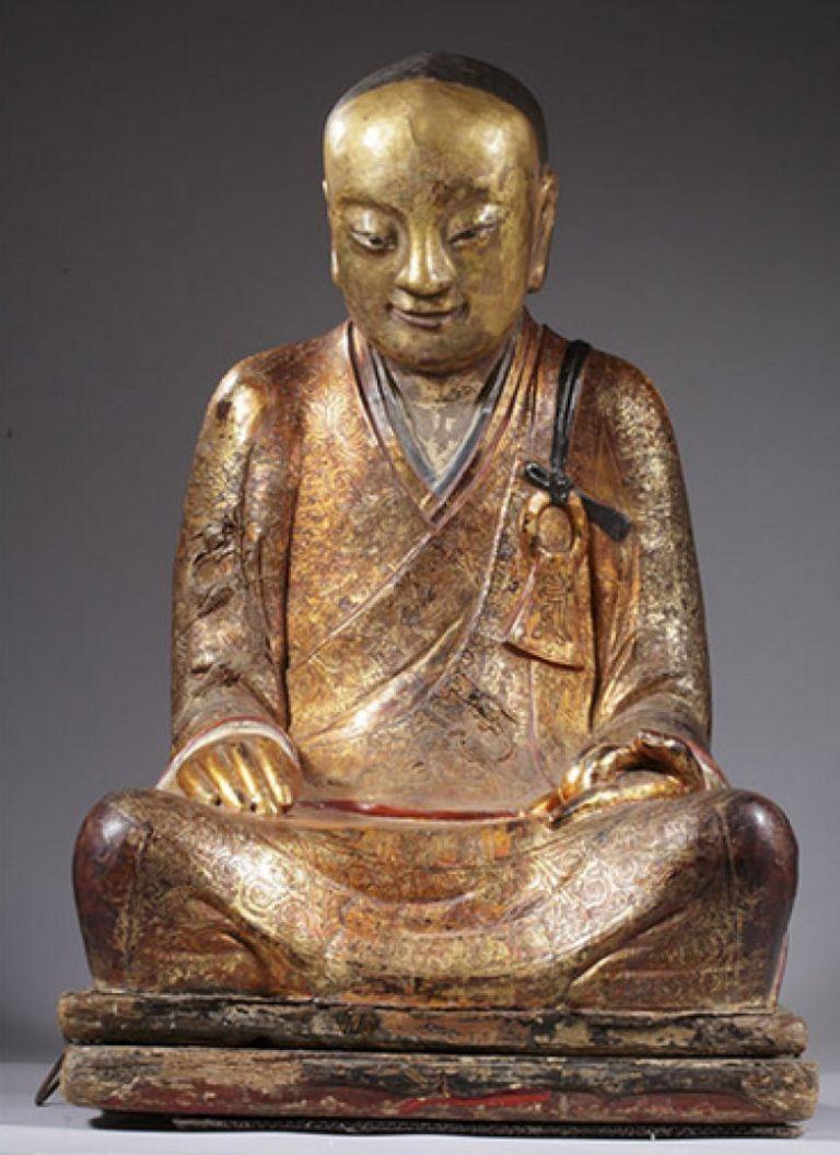 Статуя-саркофаг буддийского монаха. XI–XII вв.