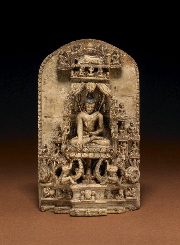 Стела с фигурой Будды, касающегося земли, и изображением нирваны Будды. Бирма, XII в.