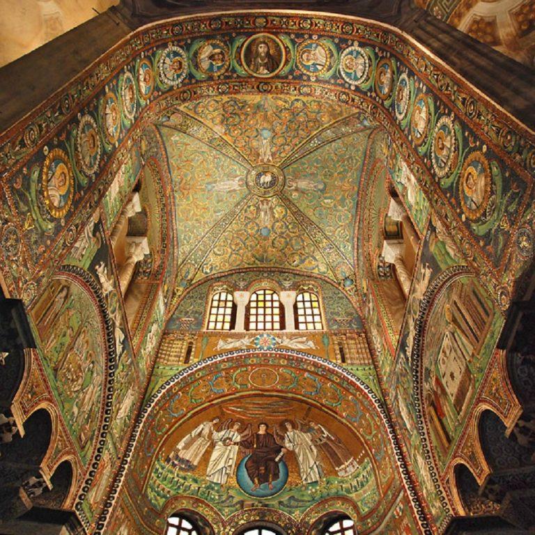 Своды и алтарная апсида базилики Сан-Витале. VI в. Равенна