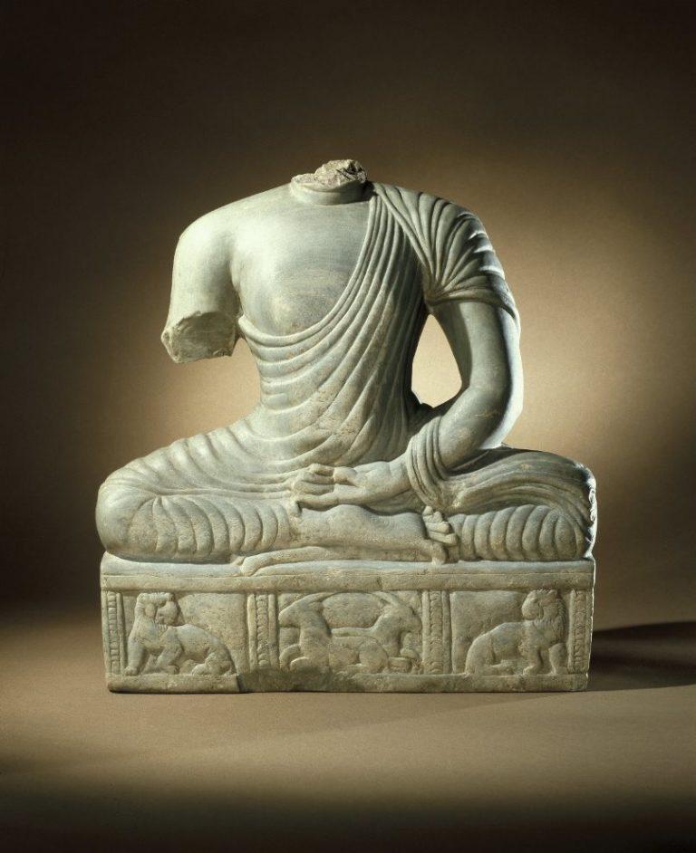 Торс сидящего Будды. Индия, III в.