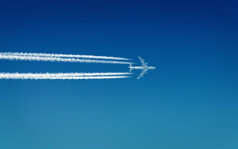 Васаны – привычная конфигурация мыслей, слов, поступков – подобны инерционному следу, оставленному самолетом