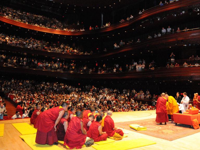 Встреча Далай-ламы с мирянами