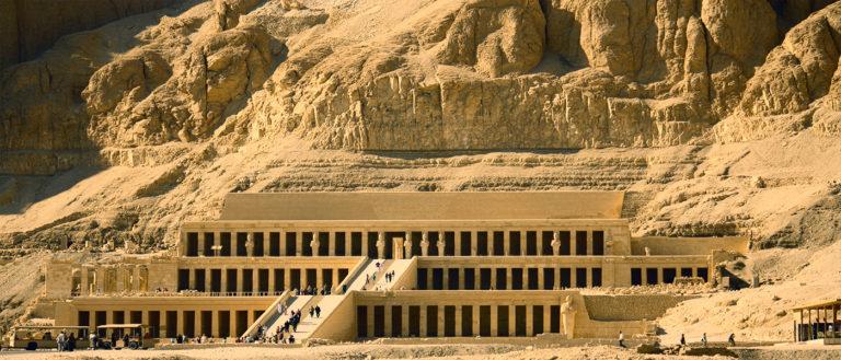 Заупокойный храм царицы-фараона Хатшепсут. XV в. до н. э.