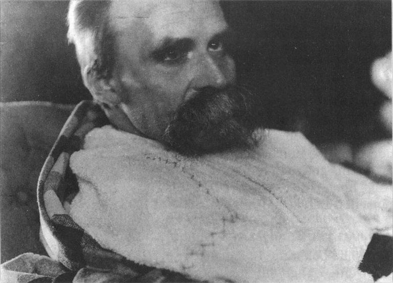 Фридрих Ницше незадолго до смерти. 1899